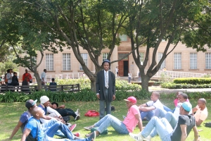 ROSE AMONG THORNS: capturing a slice of life on the library lawns  Photo: Thabile Manala
